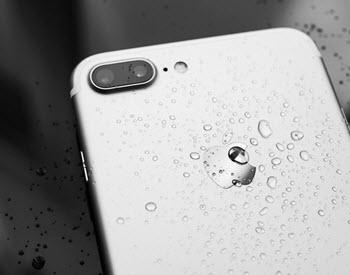 iPhone 8防水防塵